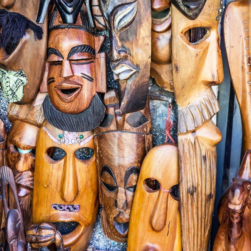 Afrikanische Masken, Marokko FEBRUAR 2014: Die Straßen von altem Prag stockfotografie
