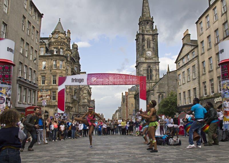 Afrikanische Tänzer auf Edinburgh-Festival stockbild