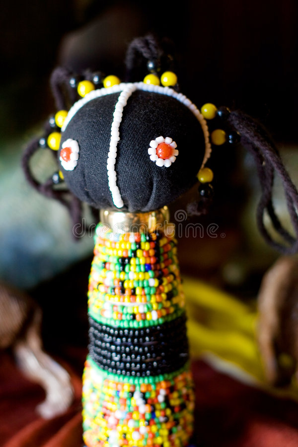 Afrikanische Zulupuppe stockbild