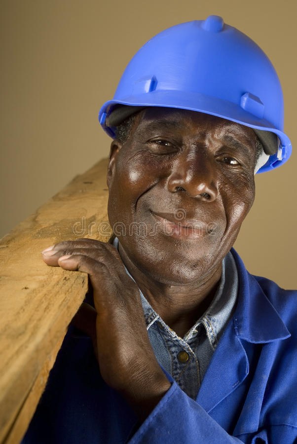 Afrikanischer Bauarbeiter lizenzfreie stockbilder