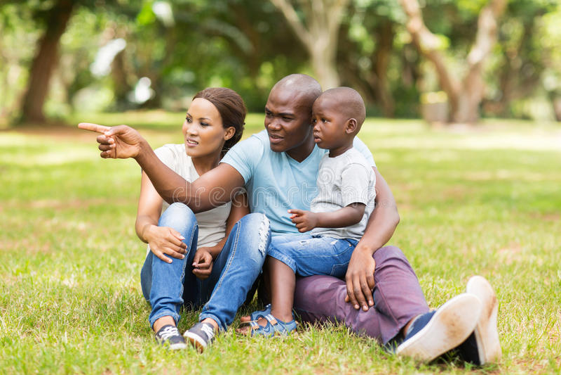 Afrikanischer Familienpark lizenzfreies stockbild