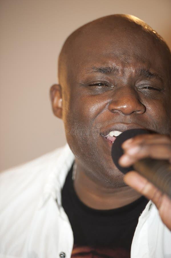 Afrikanischer Mann-Gesang Phasen stockbilder