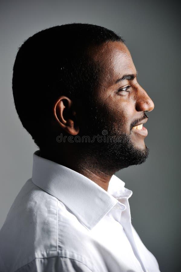 Afrikanischer Mann, nettes Foto lizenzfreie stockfotos