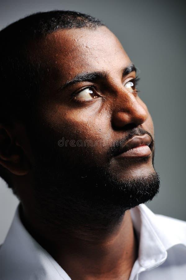 Afrikanischer Mann, nettes Foto stockbild