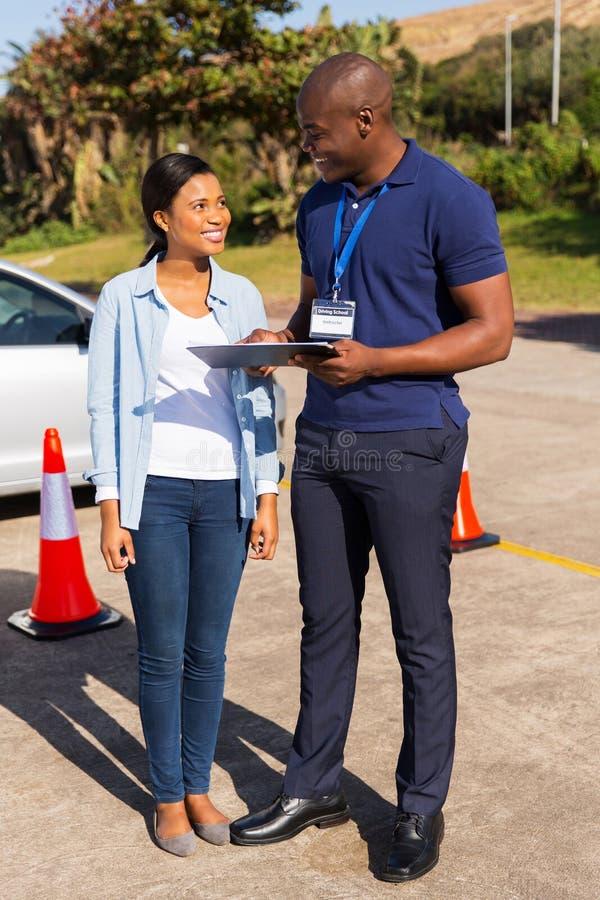 Afrikanischer Studentenfahrer lizenzfreie stockbilder