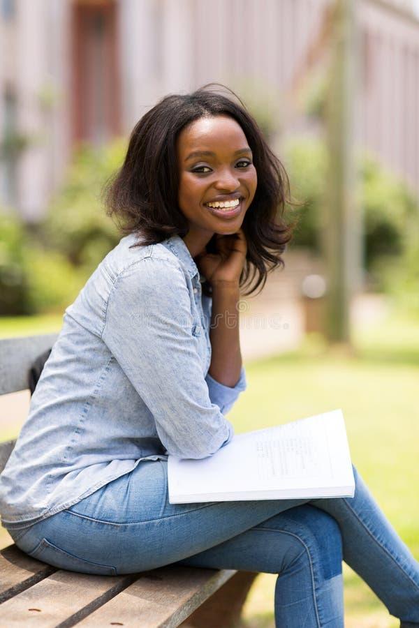 Afrikanischer Studentpark lizenzfreies stockbild