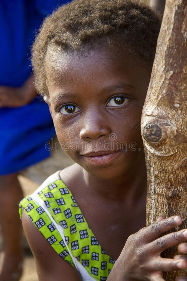 Afrikanisches Mädchen in Ghana stockfotos