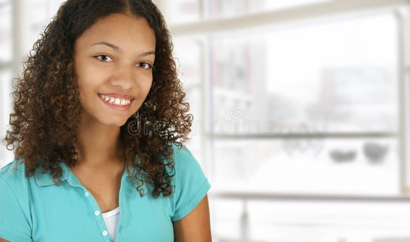 afrikansk amerikanuniversitetsområdehögskolestudent royaltyfri fotografi