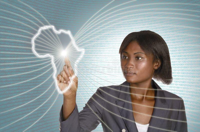 Afrikansk bakgrund för IT för affärskvinna digital arkivfoto