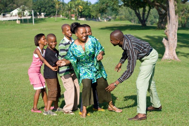 afrikansk familj fotografering för bildbyråer