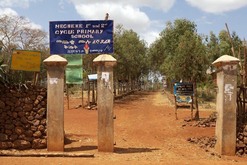 Afrikansk grundskola för barn mellan 5 och 11 år royaltyfria foton