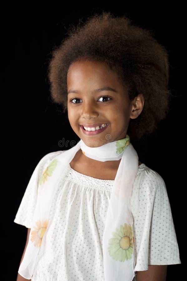 afrikansk gullig flicka arkivbild