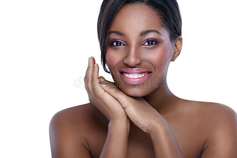 Afrikansk kvinna med perfekt hud arkivfoton