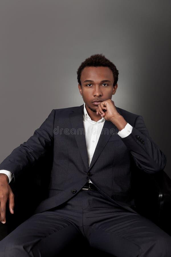 Afrikansk politikerstående royaltyfri bild