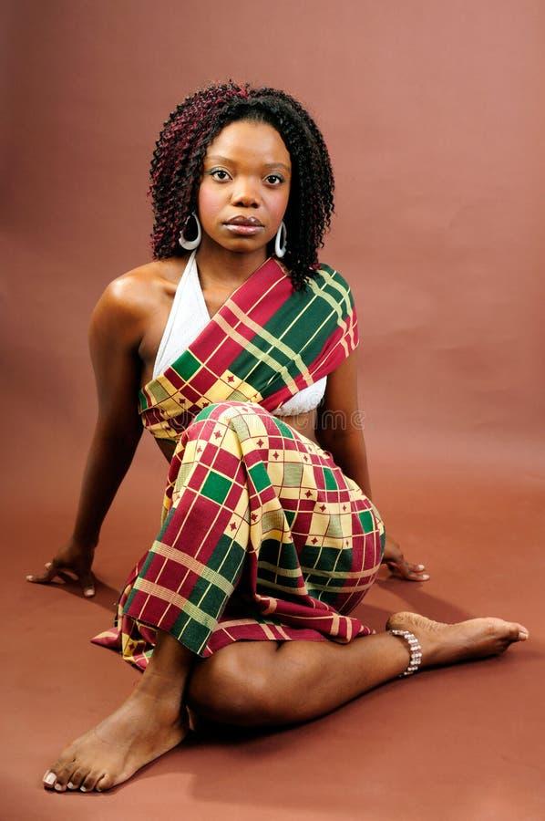 afrikansk regal kvinna royaltyfri foto