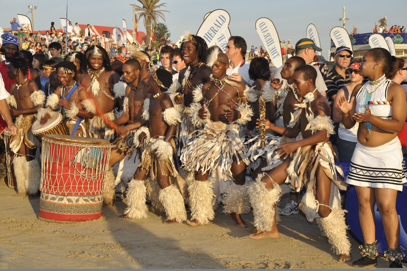 afrikanska dansare royaltyfria bilder