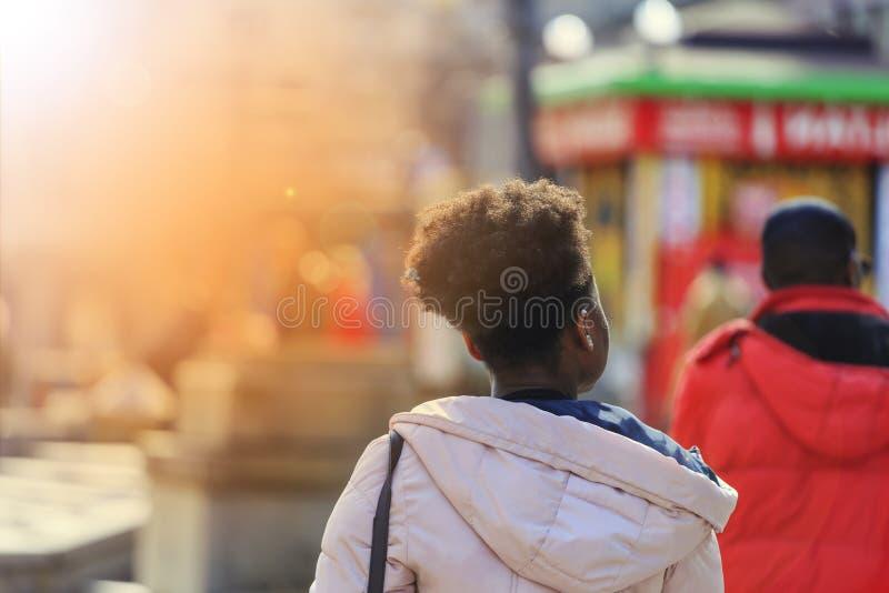 Afrikanskt svart, invandrare, flyttning, befolkning, student, ungdom arkivbilder