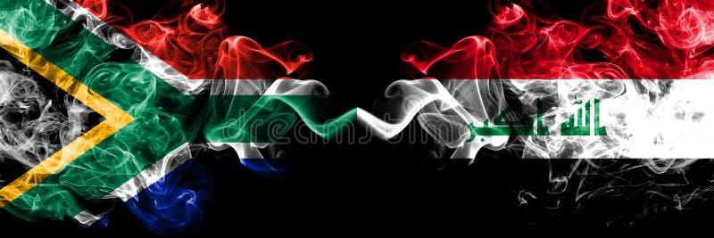 Afrique du Sud contre Irak, drapeaux mystiques fumants irakiens placés côte à côte Concept de drapeaux de fumée abstraits épais e illustration stock