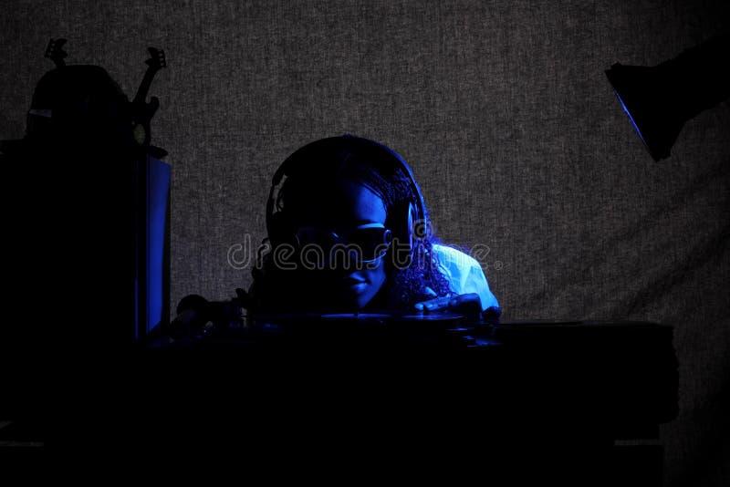 afro αμερικανικό δροσερό DJ στοκ εικόνες