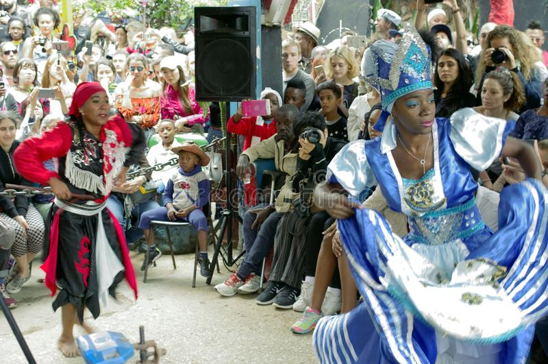 Afro-κουβανικοί εκτελεστές πολιτισμού και χορού στοκ φωτογραφία με δικαίωμα ελεύθερης χρήσης