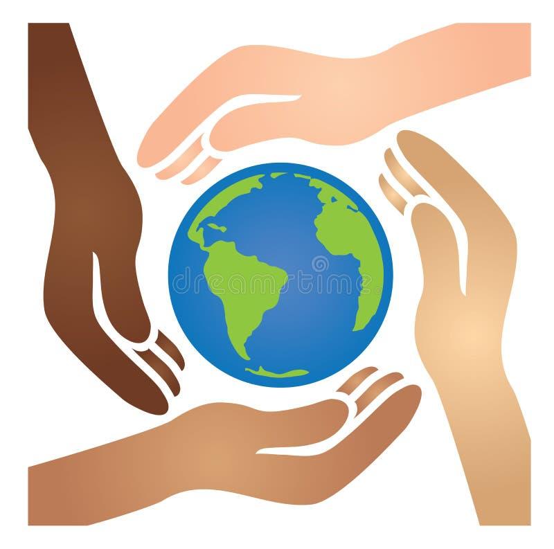 Afro-americano diverso, branco, Latino, e mãos asiáticas que juntam-se junto para embalar o mundo azul e verde ilustração do vetor