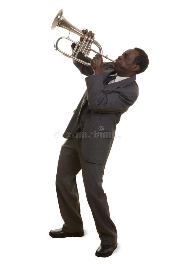 Afro-americano Jazz Musician com Flugelhorn imagens de stock royalty free