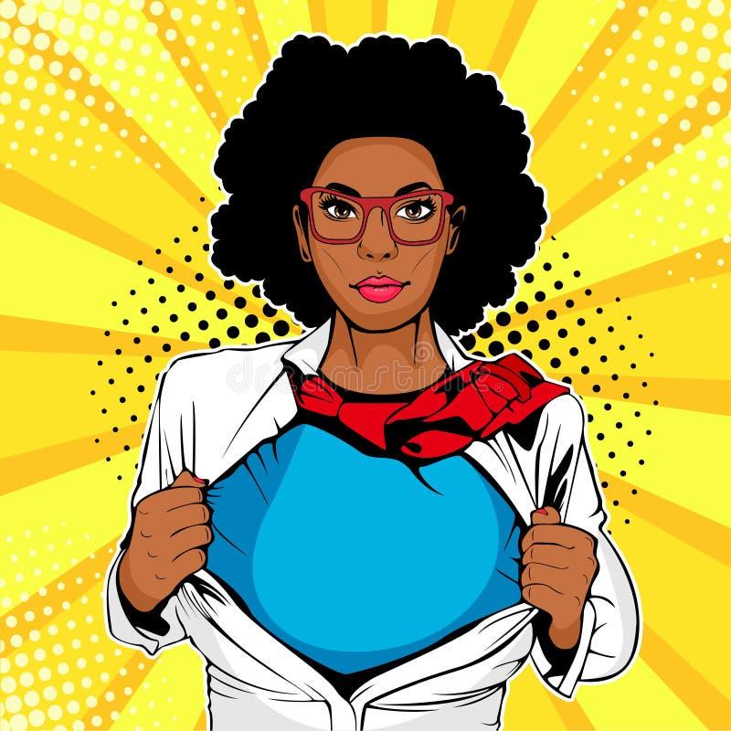 Afro Amerikaanse vrouwelijke superhero met superherot-shirt Vectorillustratie in pop-art grappige stijl royalty-vrije illustratie