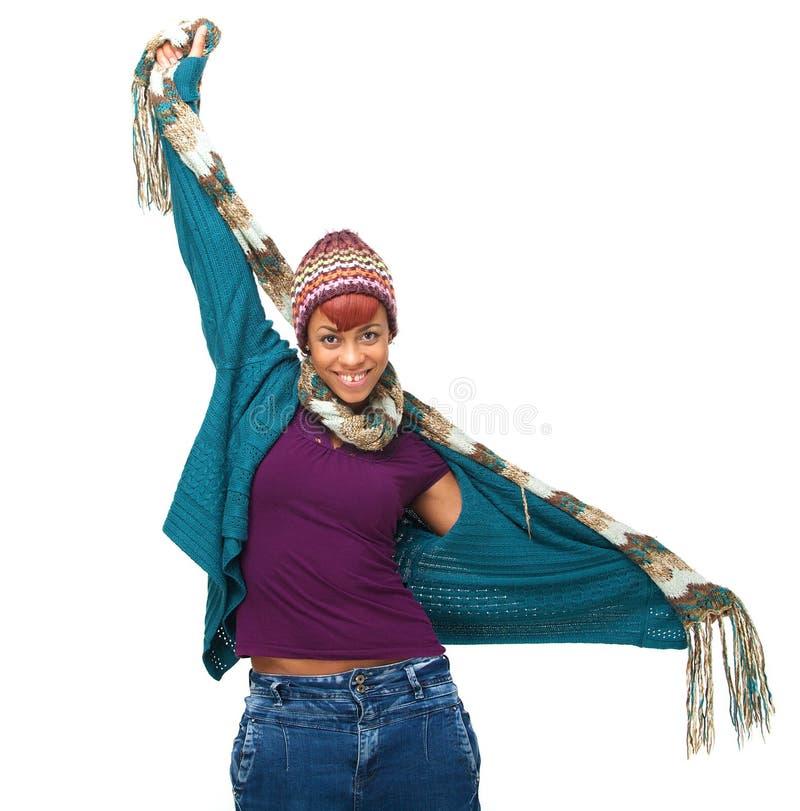 Afroamerikaner-Frau betriebsbereit zum Winter lizenzfreie stockbilder