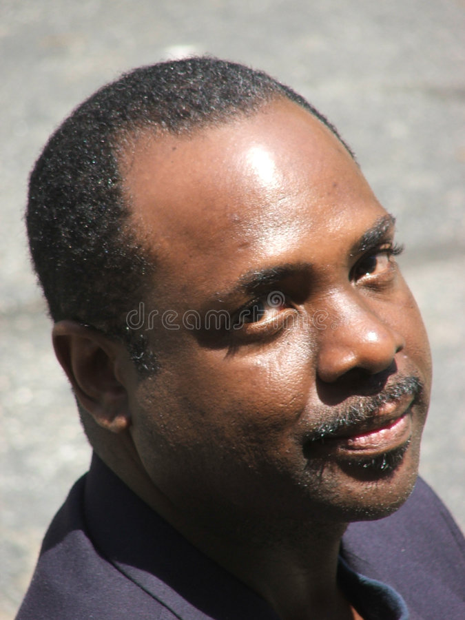 Afroamerikaner-Geschäftsmann lizenzfreie stockfotos