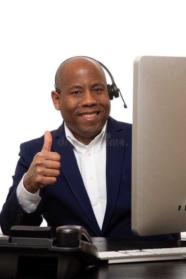 Afroamerikaner-Gesch?ftsmann With Thumbs Up lizenzfreie stockfotos