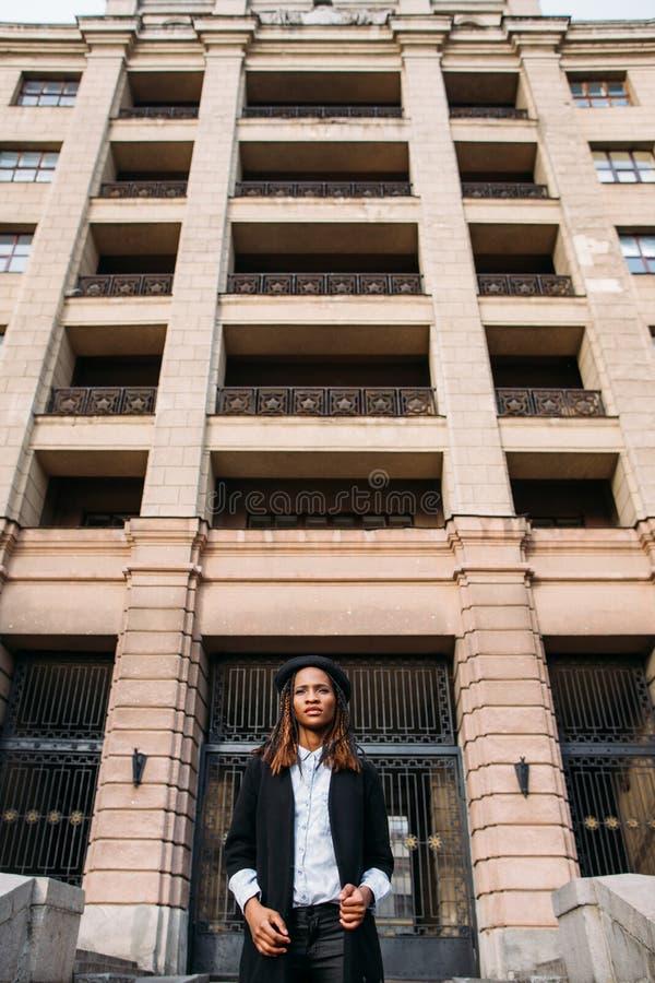 Afroamerikanerfraumode-modell lizenzfreies stockfoto