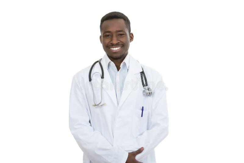 afroamerykańskiego lekarza medycyny mężczyzna odosobniony biały tło obraz stock