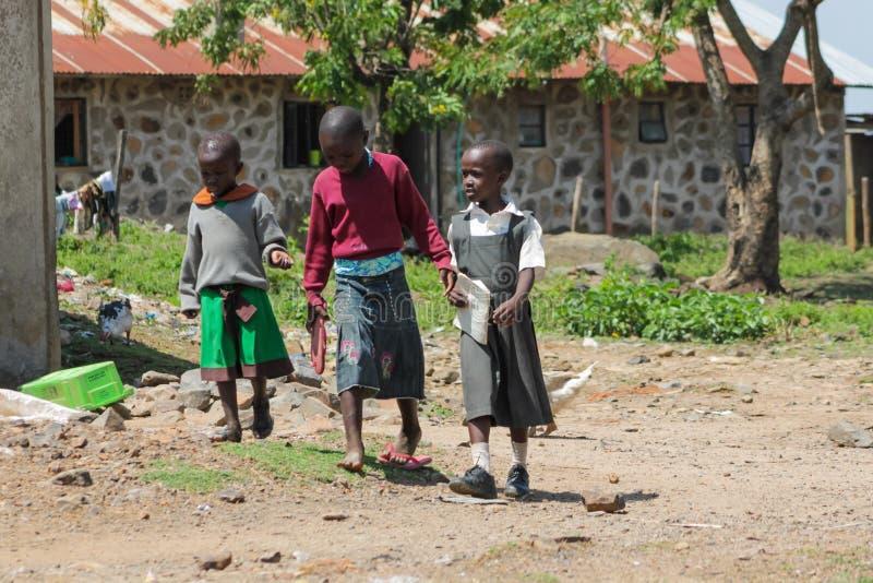 Afrykańscy biedni dzieci na ulicie obrazy royalty free