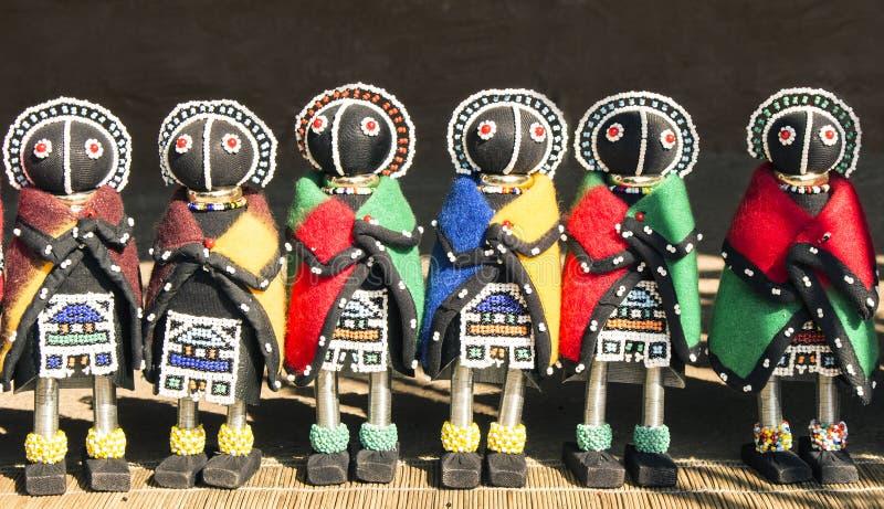 Afrykańscy etniczni handmade koralików ragdolls Lokalny rzemiosło rynek zdjęcie stock