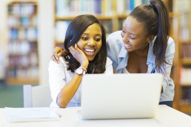 Afrykańscy studenci collegu zdjęcie royalty free