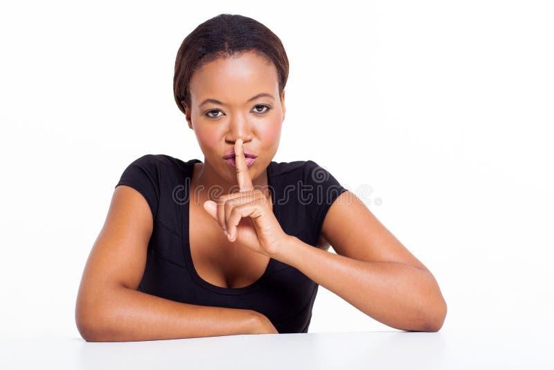Afrykańska kobieta shhh fotografia royalty free