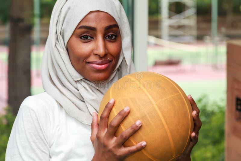 Afrykańska Muzułmańska kobieta zdjęcia royalty free