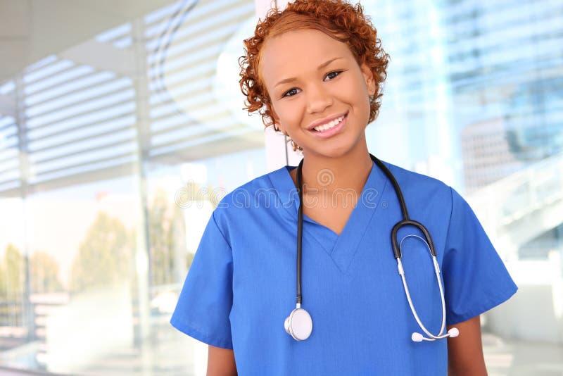 afrykańska szpitalna pielęgniarka dosyć fotografia royalty free