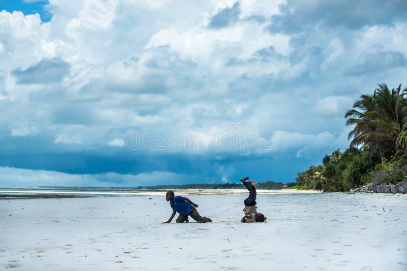 Afrykański dzieci bawić się zdjęcia royalty free
