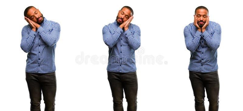 Afrykański młody człowiek odizolowywający nad białym tłem obraz royalty free