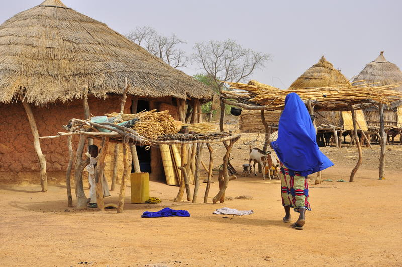 afrykanin mieści tradycyjną wioskę zdjęcie royalty free