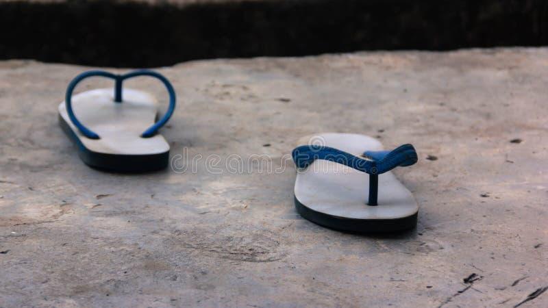 Afscheid, schoenenkanten die elk van de scheiding van de manier onder ogen zien stock fotografie