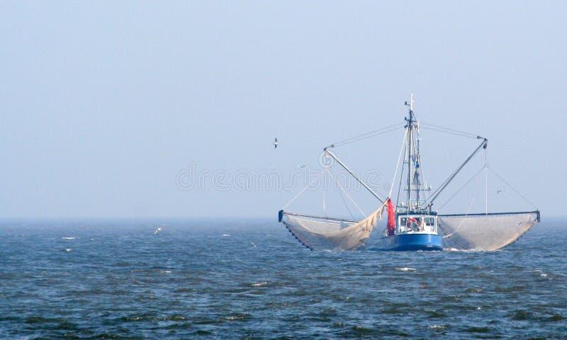 Download Afsluitdijk редакционное стоковое изображение. изображение насчитывающей ijsselmeer - 81800874