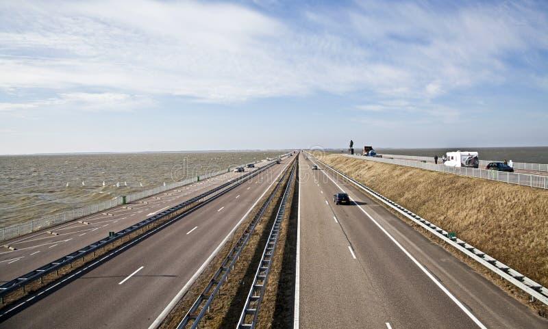 Afsluitdijk - terraplén importante en Países Bajos foto de archivo libre de regalías