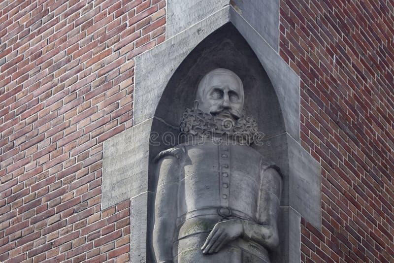 Afsluiten van het historische standbeeld van 'Beurs van Berlage' royalty-vrije stock fotografie
