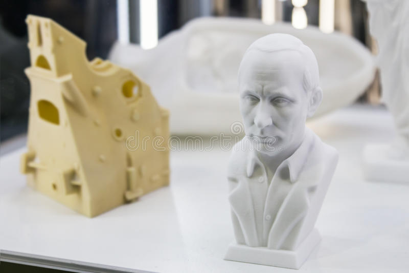 Aftasten aan 3D printer bas President Putin stock afbeelding