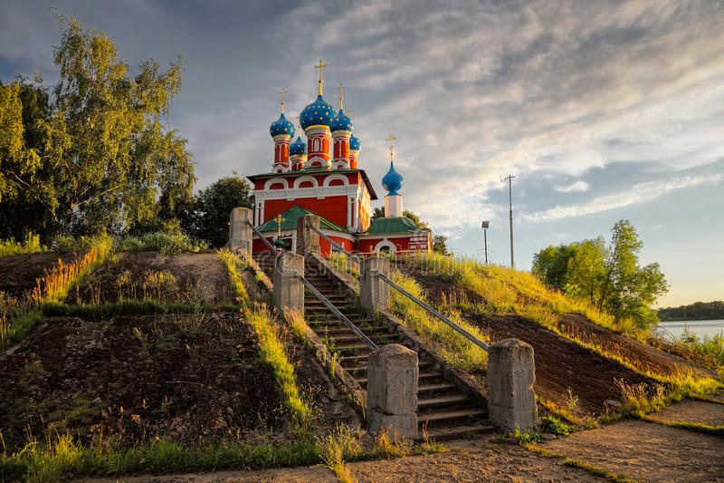 Afton i Uglich Ryssland landskap arkivbild
