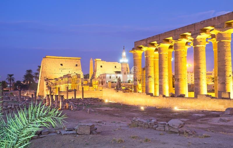 Afton Luxor arkivbild