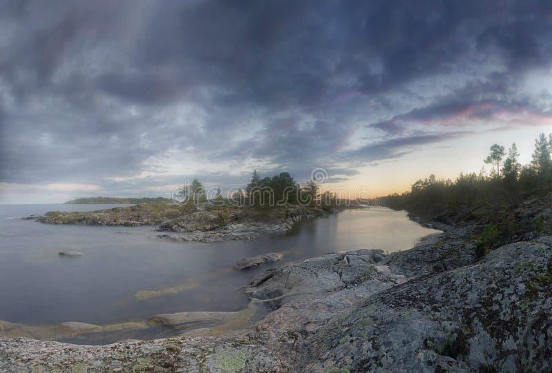 Afton på Lake Ladoga Karelia Ryssland arkivfoton