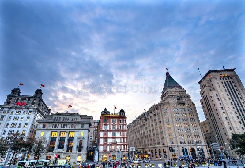 Afton Shanghai Kina för byggnader för fredhotellBund arkivfoton